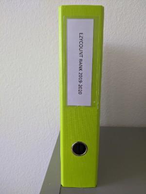 Classeur avec etiquette imprimee